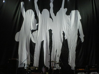 The Frantic Four curtain, ready to drop...